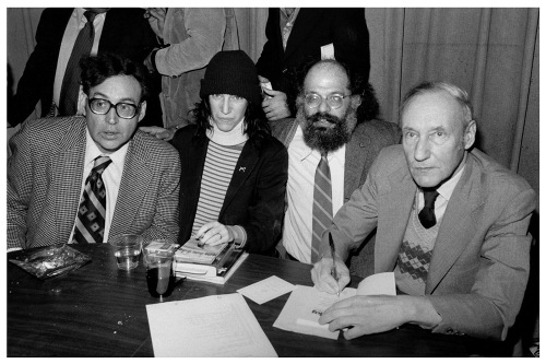 Carl Solomon, Patti Smith, Allen Ginsberg e William S. Burroughs